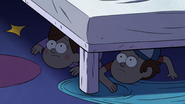 S2e8 twins under bed