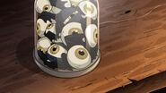 S2e12 eye bats in jar