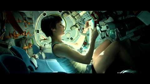 Ryan escapes the ISS - Gravity Scene