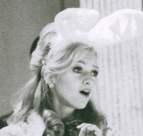File:Helena Andreyko as Helen-Month of April.png