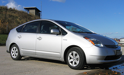 File:Prius-RightFront.jpg