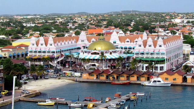 File:Oranjestad (Aruba).jpg