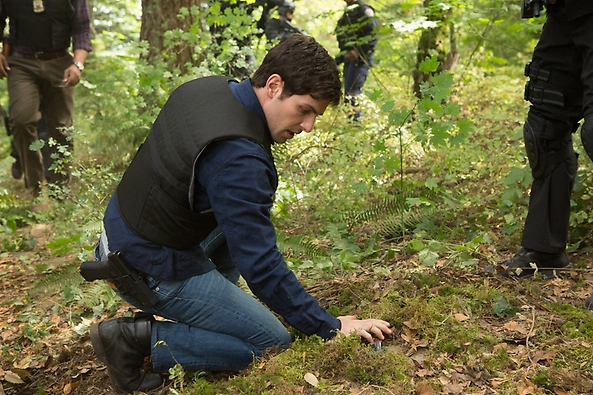 File:207 - Nick finding Granger's hideout.png