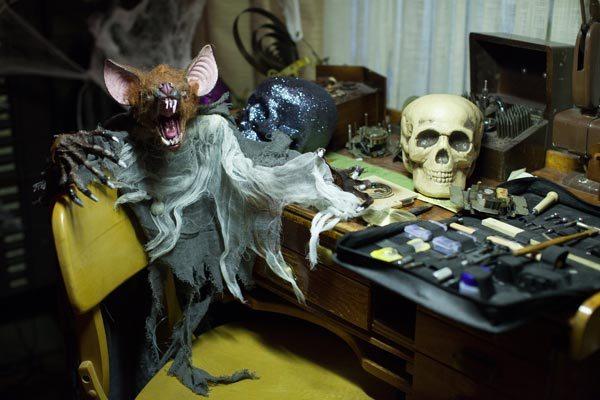 File:209-Monroe House-Halloween6.jpg