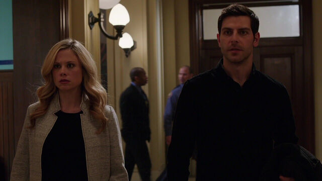 File:419-Nick and Adalind at the precinct.jpg