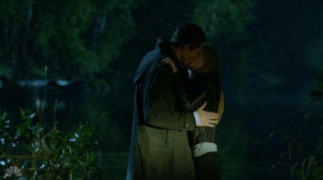 File:213-Adalind and Renard Kiss3.png
