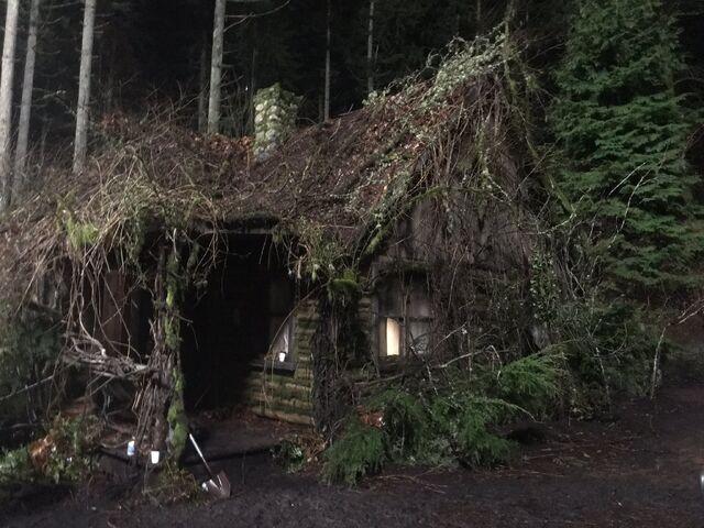 File:613-BTS-Cabin in the Woods 2.jpg