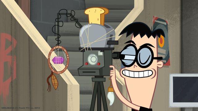 File:Kin and his Camera.jpg