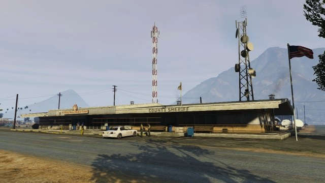 File:Sandy Shore Medical Clinic - GTA V.jpg