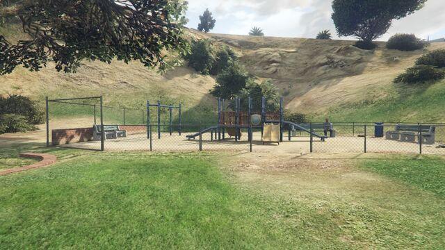 File:Vinewood Hills Dog Exercise Park GTAV Childrens Playground.jpg