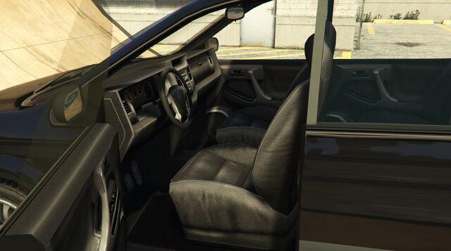 File:Minivan-GTAV-Interior.jpg