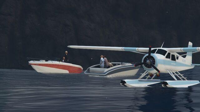 File:Coveted Cove GTAV Seaplane Event.jpg