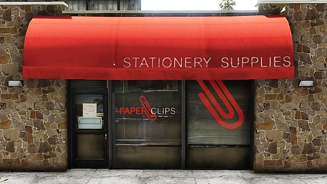 File:PaperClips-GTAV-VespucciMall.png