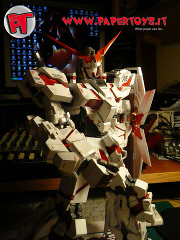 File:Papertoys-gundam-unicorn-rx0-shield-scudo-05-g.jpg