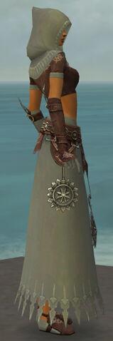 File:Dervish Sunspear Armor F gray side.jpg