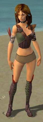 File:Ranger Tyrian Armor F gray chest feet front.jpg