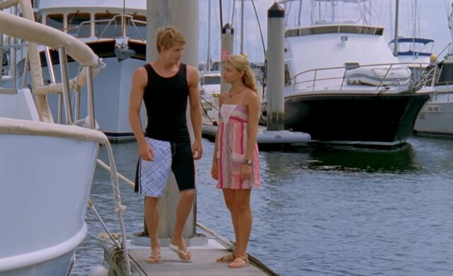 File:Will and Bella on Jetty.jpg