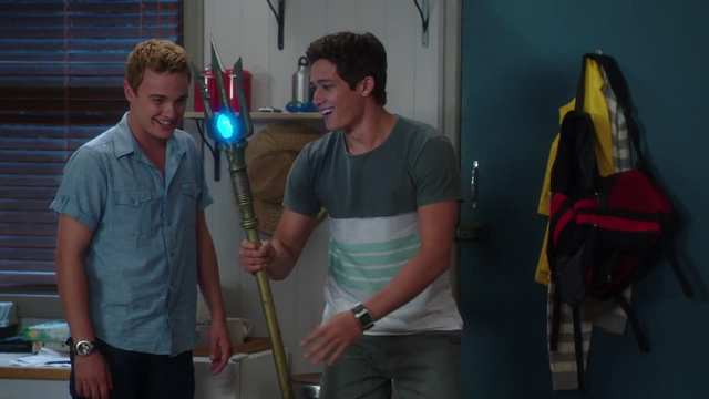 File:Zac and Cam with lighted trident.png