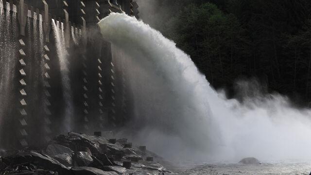 File:Halo 4 Forward Unto Dawn Circinius IV Corbulo Waterworks.jpg
