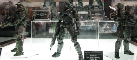 File:Square Enix Halo- Reach Volume 1-Comic Con 2010.jpg