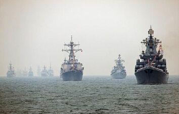Us-navy-missile-destroyer-uss-fitzgerald-c-the-russian-navys-11370-tonne-vayag-missile-cruiser-r