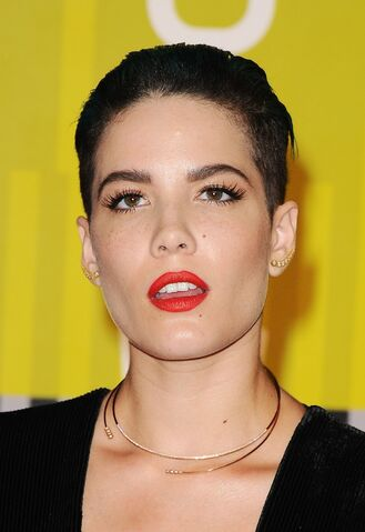 File:Halsey-2015-mtv-video-music-awards-at-microsoft-theater-in-los-angeles 22.jpg