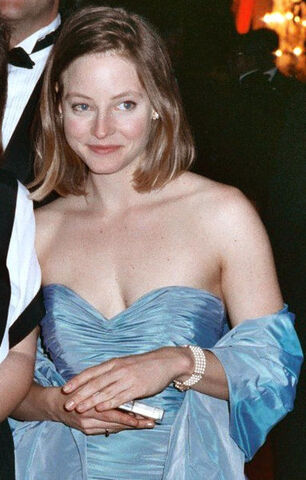 File:382px-Jodiefoster at 61st Academy Awards re-cropped.jpg