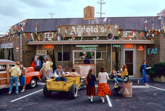 File:Arnold's.png