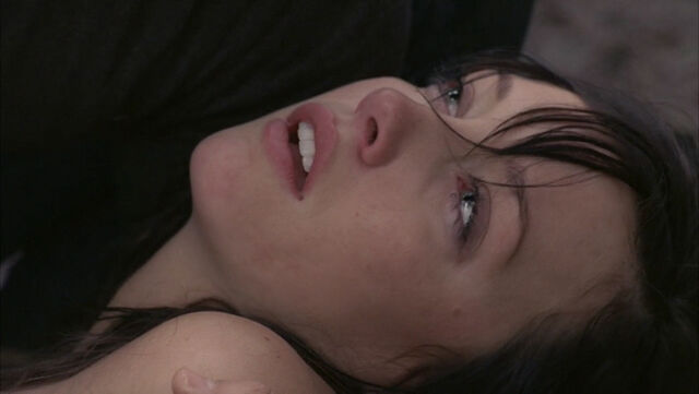 File:1x12 - Trish's Death 2.jpg