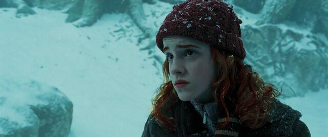 File:Willa listening to Cedric.jpg