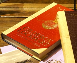 File:Gilderoy Lockhart The Travel Trilogy red.png