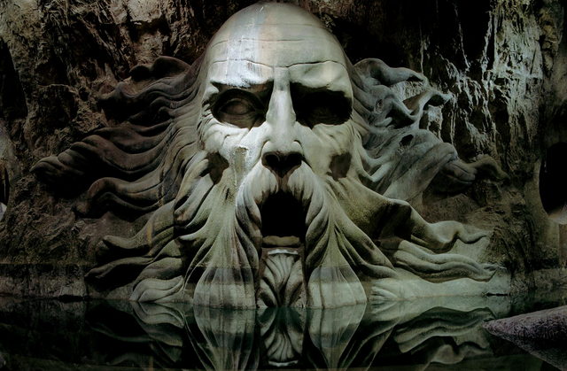 File:Statue of Slytherin.png