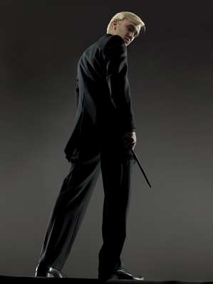 File:Draco Malfoy Deathly Hallows promotional image.jpg