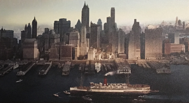 File:Arriving in New York.png