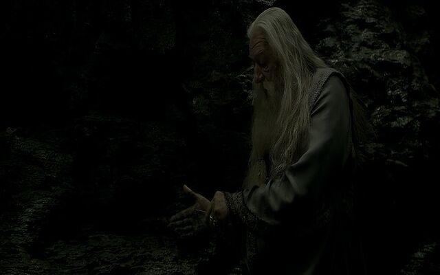 File:Dumbledore cutting himself Cave.jpg
