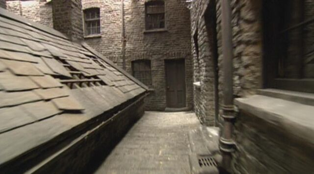 File:Knockturn Alley.jpg