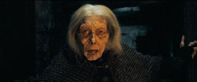 File:Harry-potter-deathly-hallows1-bathilda corpse.jpg