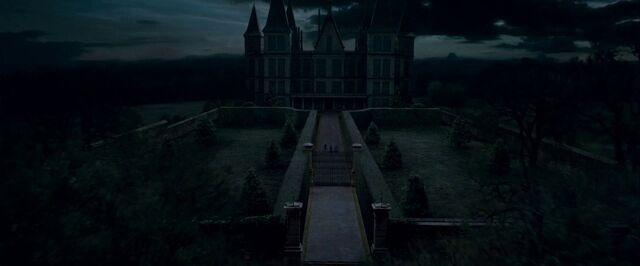 File:DH trailer2 Malfoy Manor.jpg
