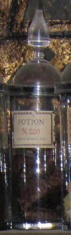 File:Potion N. 220.jpg