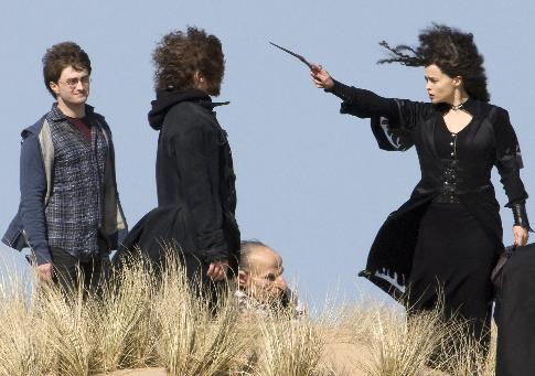 File:Harry Potter, Hermione Granger (disguised as Bella) and Ron Weasley.jpg