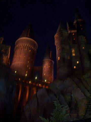 File:Castle night sky.jpg
