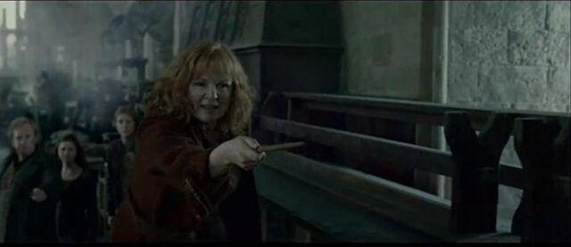 File:Molly battle of Hogwart.jpg