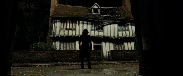 File:Severs Snape-Godric's Hollow.JPG