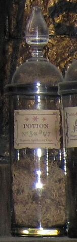 File:Potion Nº 3x9W7.jpg