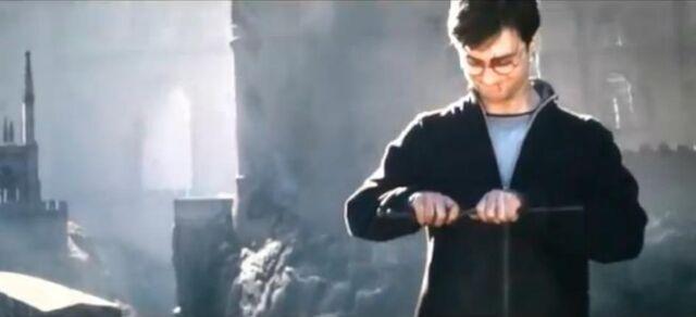 File:Harry-breaks-the-elder-wand-harry-potter-23716711-946-431.jpg