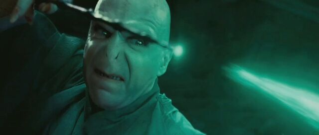 File:Ralph-fiennes-as-lord-voldemort-in-harry.jpg