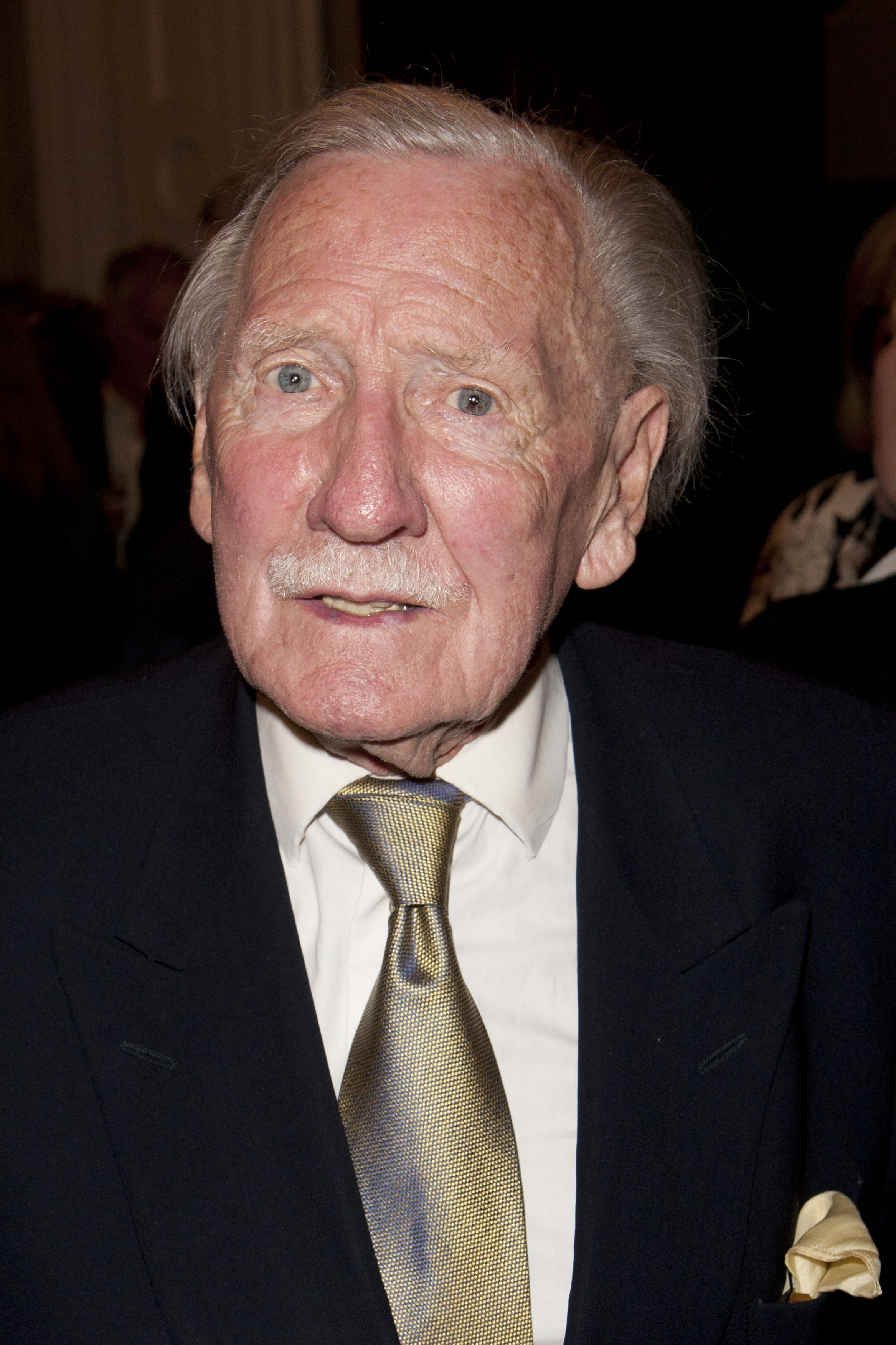 File:Leslie Phillips 1.jpg