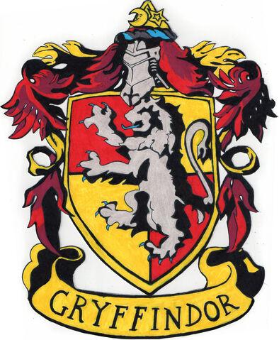 File:Gryffindor crest by tuliipiie-d491bqc.jpg