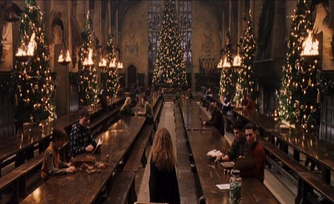 Twelve christmas trees harry potter wiki fandom for Comedor harry potter
