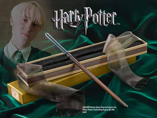 File:Draco Malfoy wand.jpg